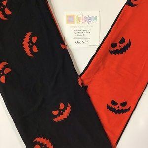 New In Package! LuLaRoe Halloween Leggings OS 🎃